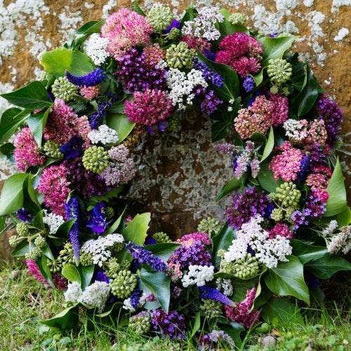 Milton Keynes Funeral Flowers Wreath 12