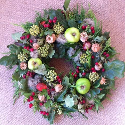 Milton Keynes Funeral Flowers Wreath 5