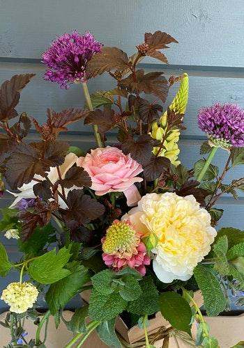 Milton Keynes Bereavement Flowers 3